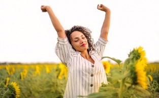 An Energising Morning Routine To Get You Through COVID-19 Self-isolation